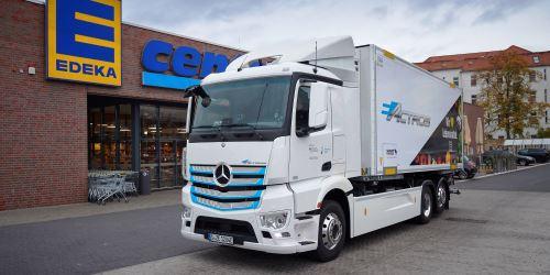 E-deka: EDEKA startet in Berlin Praxistest des Mercedes-Benz eActros