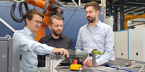 KI, VR und Robotics für die Industrie