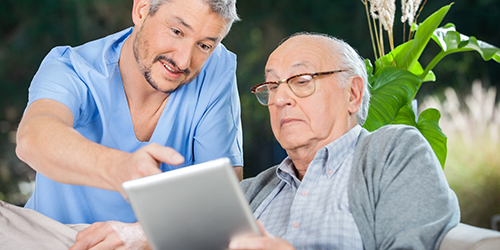 Initiative für digitale Assistenz in der Pflege