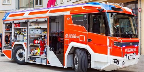 Berlins erstes hybrid-elektrisches Löschfahrzeug