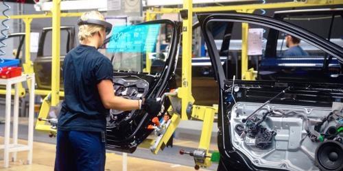 Zukunftsinvestitionen für Fahrzeughersteller und Zulieferindustrie